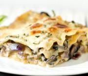 Houbové lasagne se slaninou