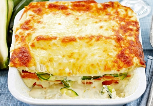 Lasagne s cuketami, sladkými bramborami a sýrem ricotta