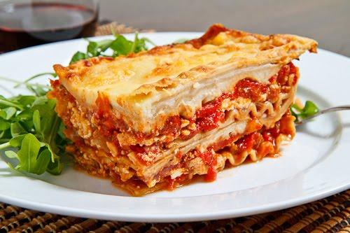 Lasagne s masem a sušenými rajčaty